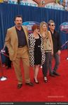 tom_selleck_meet_the_robinsons_world_premiere_0zAHgA
