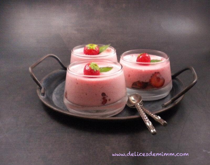 Mousse légère aux fraises et à la menthe