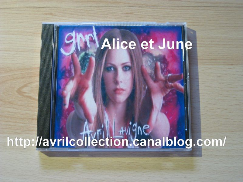 CD non officiel Avril Lavigne live-La Scène Paris 09/18/02