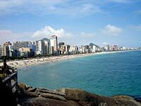 200px_Leblon_and_Ipanema