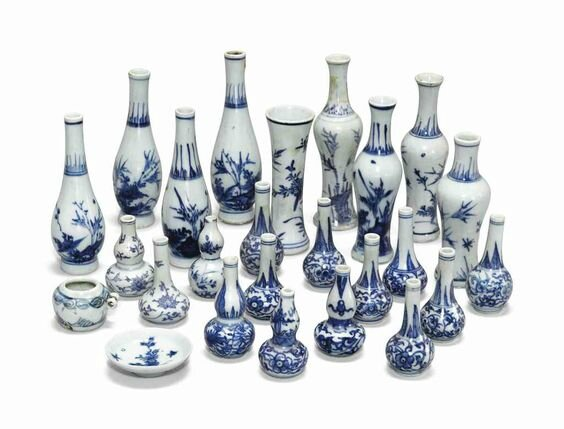 A group of 'Hatcher cargo' blue and white miniatures, Transitional, mid-17th century