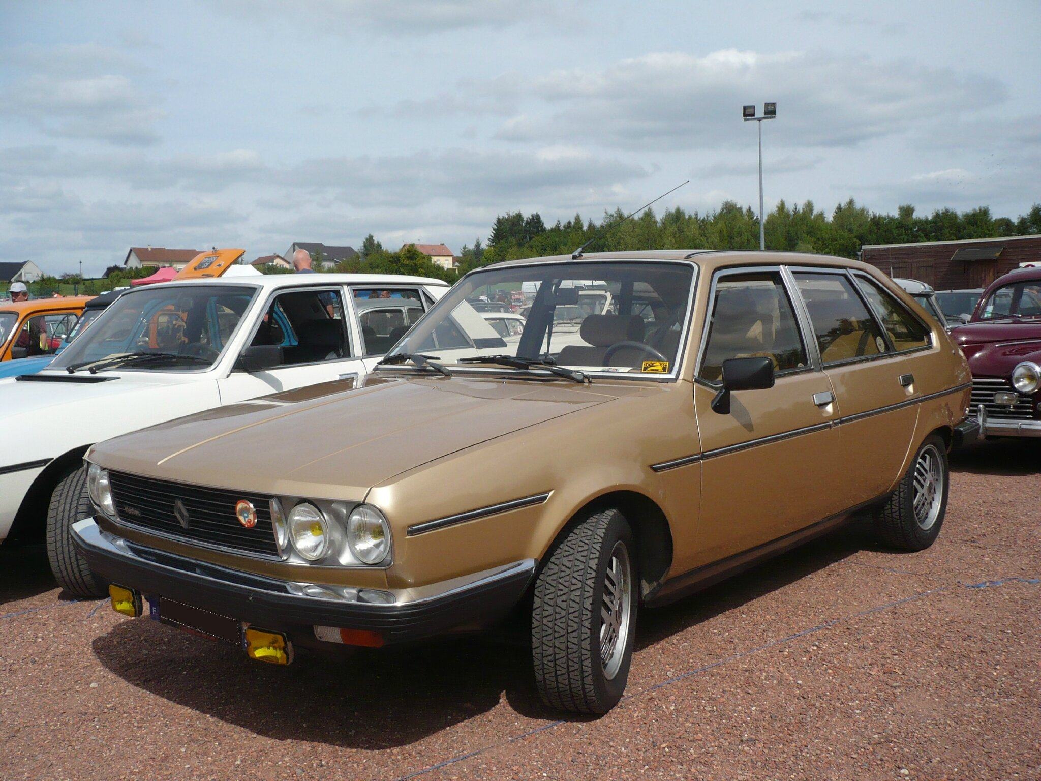 RENAULT 30 TX Automatic V6 Injection 1983 Hambach (1)