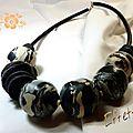 collier perles creuses noires et beiges trasformée(1)