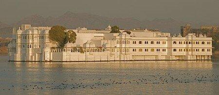 Lake_Palace_Hotel