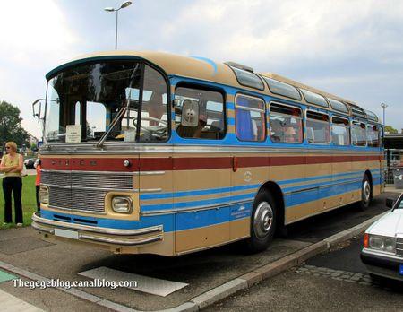 Saviem type S-53M excursion de 1970 (Rencard de Haguenau aout 2011) 01