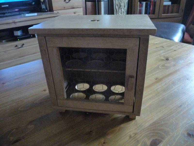 une boite oeufs en bois a qui je trouverai domi l. Black Bedroom Furniture Sets. Home Design Ideas