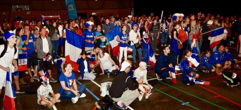 COUPE DU MONDE 2018 FRANCE BELGIQUE salle Carpentier foule