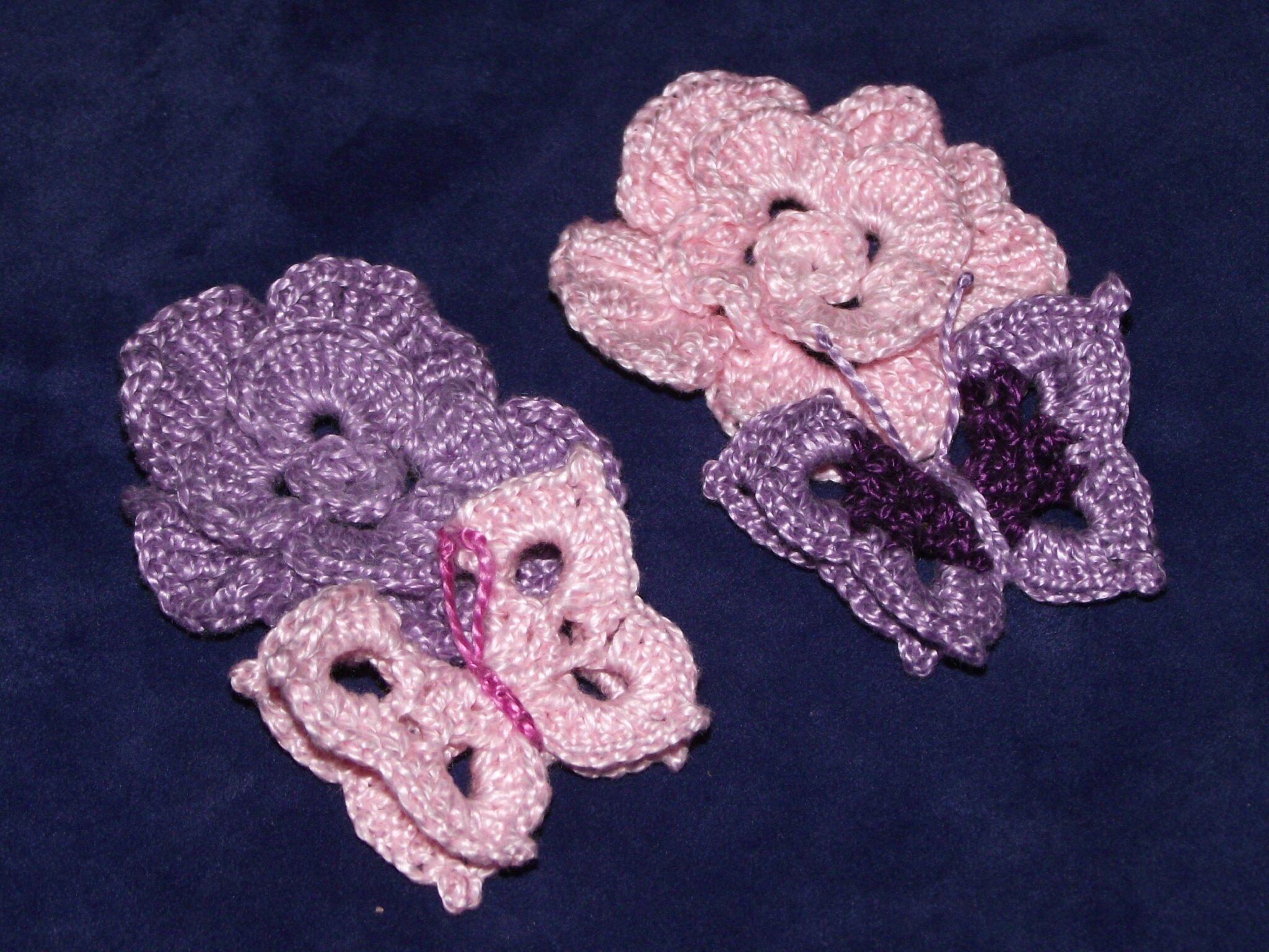 fleurs et papillons au crochet blanc rose violet 10