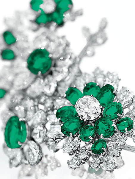 Detail-floral-brooch-from-Elizabeth-Taylors-Bulgari-emerald-and-diamond-suite-circa-1960