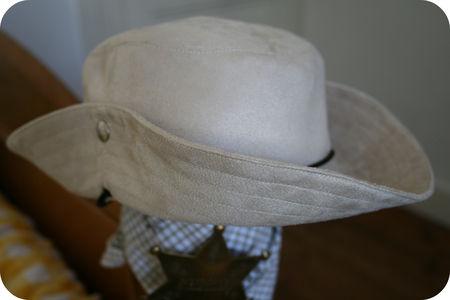 Gabriel_d_guisement_cowboy_chapeau