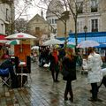 Animation sur la place du Tertre.