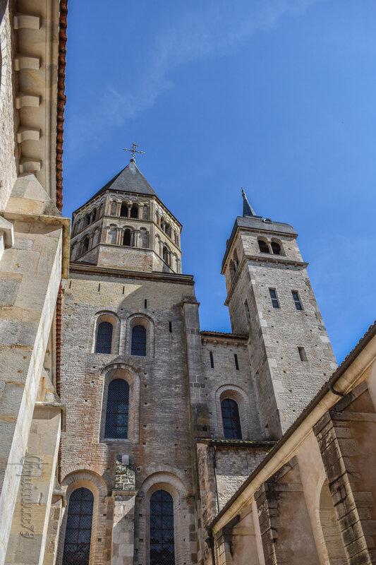 Abbaye de Cluny Clocher C3 et C5 Horloge