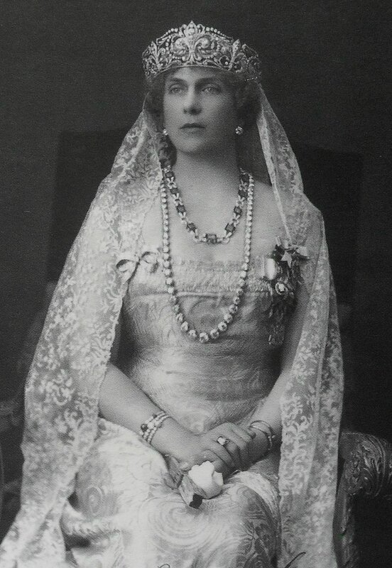 800px-Queen_Victoria_Eugenia_of_Spain (2)