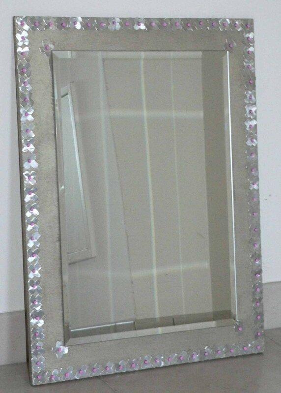 miroir argenté en fleurs de métal
