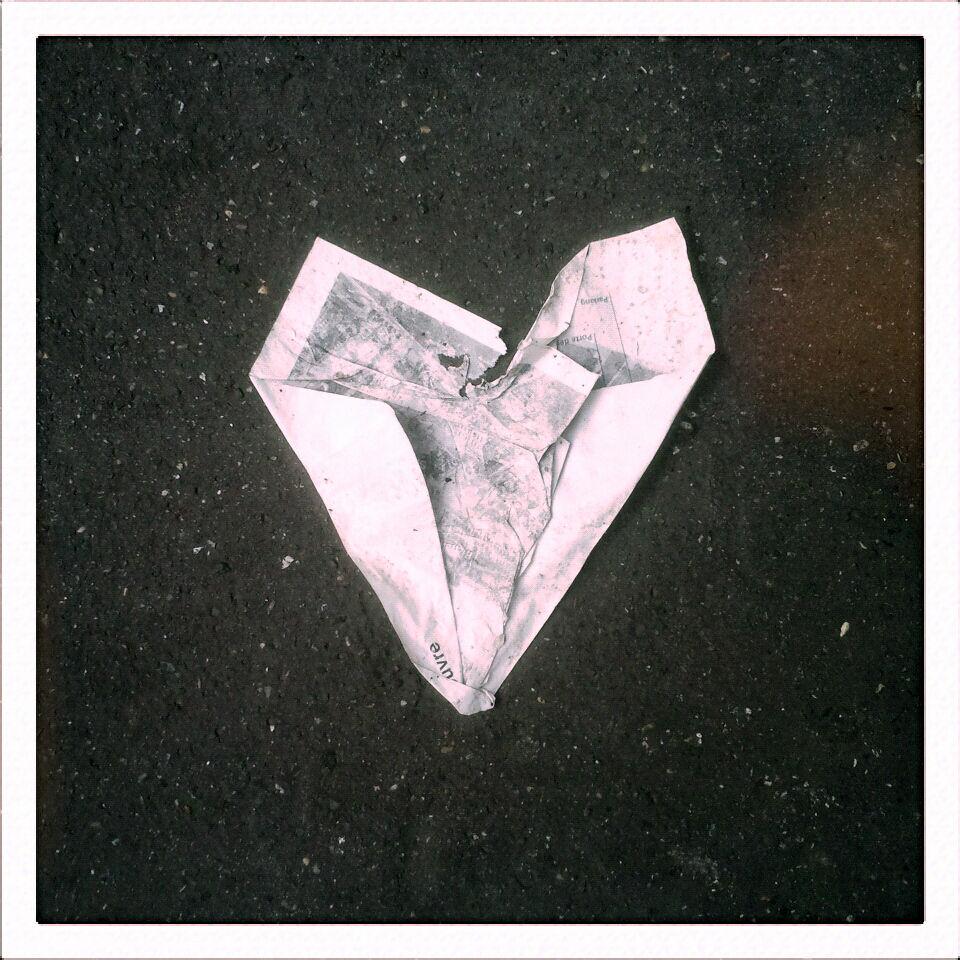 coeur papier trottoir_212