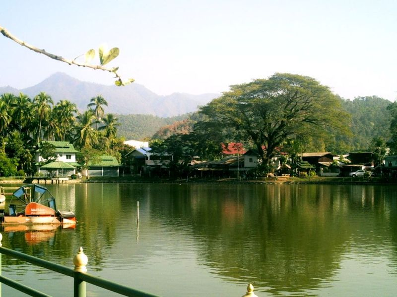 Le lac de Mae Hong Son