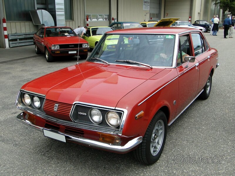 on 1971 toyota corolla deluxe wagon