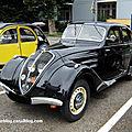 Peugeot 302 berline (Tako Folies Cernay 2011) 01