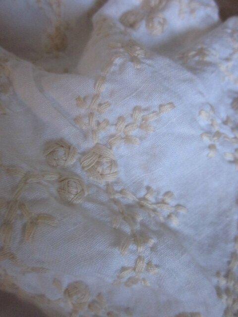 Culotte BIANCA en lin écru brodé de beurre frais - noeud beige (1)