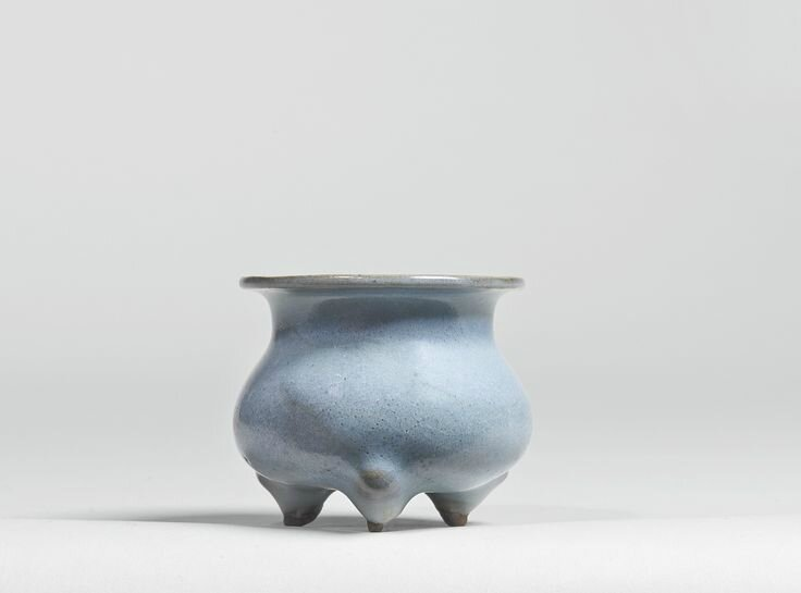 A small 'Jun' tripod censer, Jin dynasty.