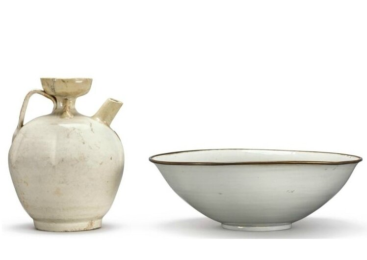 A white-glazed bowl and ewer, Song-Jindynasty (960-1234)
