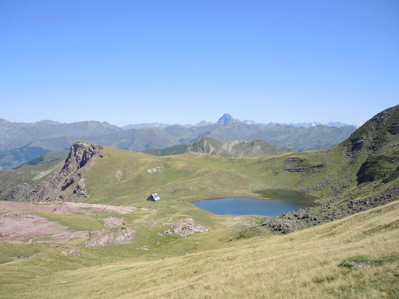 L) Lac d'Arlet, vue du col d'Arlet (64)