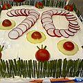 Sandwich cake au saumon, concombre et fromage frais aux herbes (pain polaire)