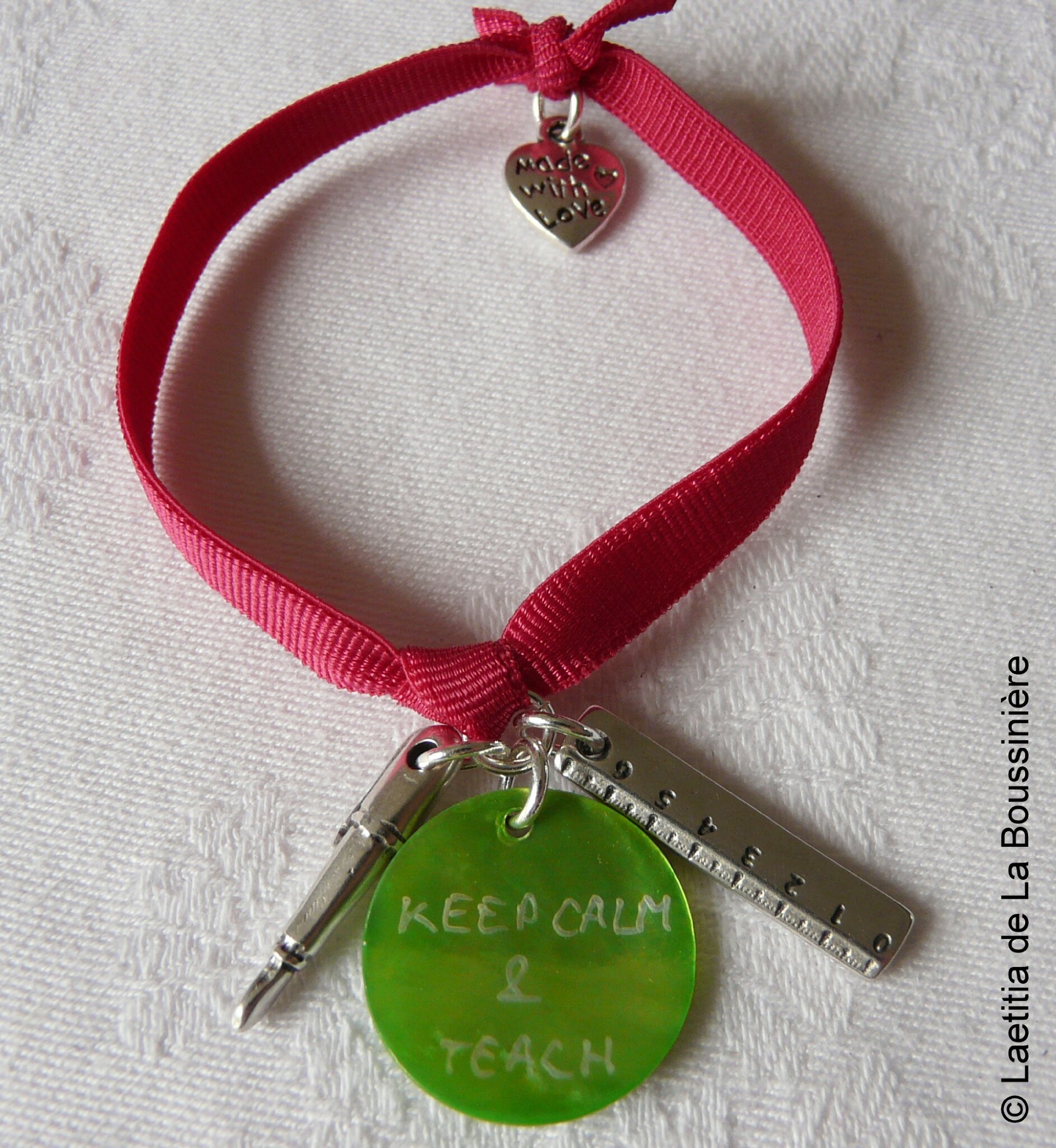 Bracelet de maîtresse sur ruban élastique (fushia - granny)