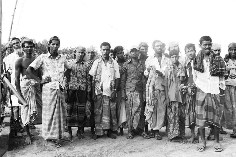Ouvriers d'une usine de riz
