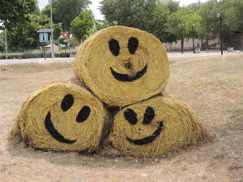 Ballots de paille smileys