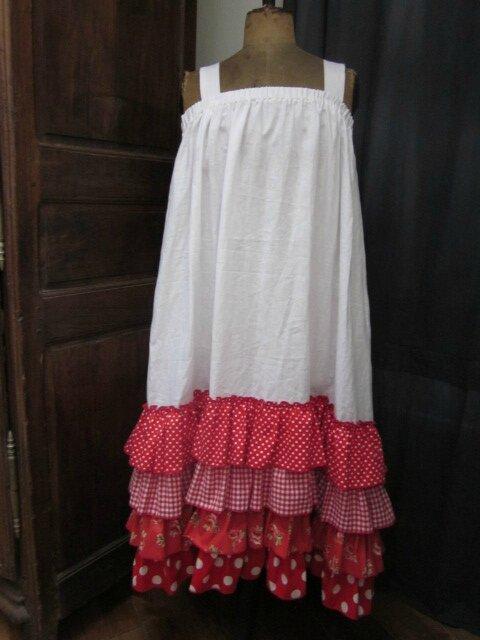 Robe Champêtre en lin blanc ornée de 4 volants de coton vichy, pois et fleurs (2)