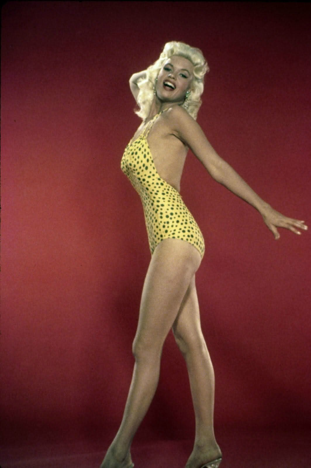 jayne_swimsuit_poids-1956-the_girl_cant_help_it-pub-2-3