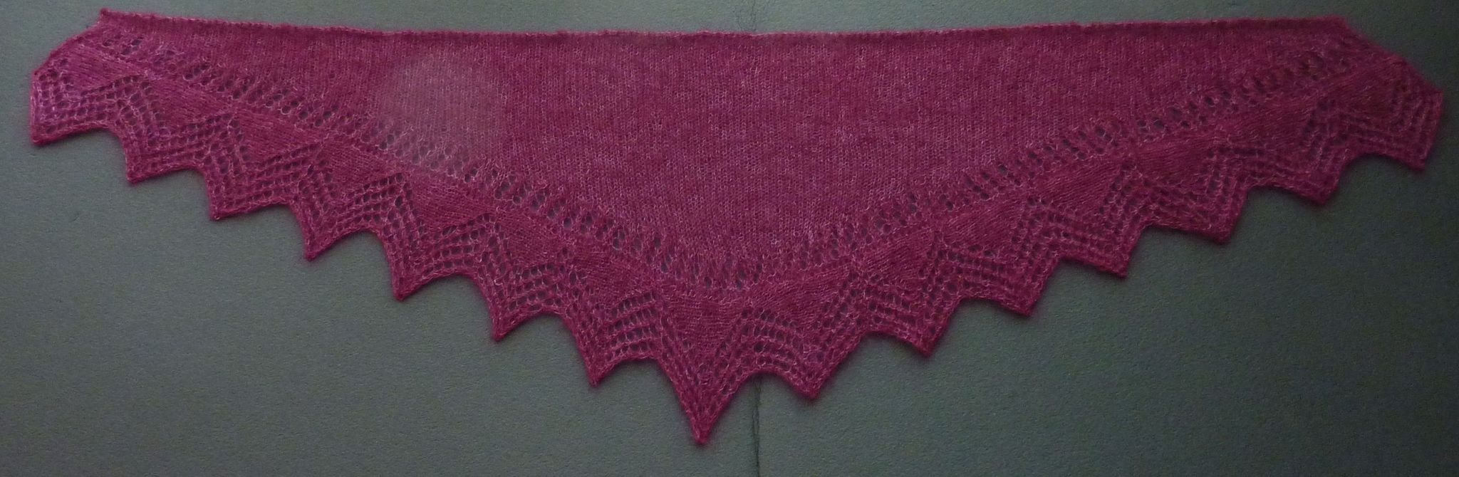 Cassis shawlette