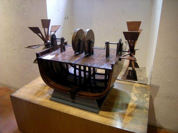 Clos Luce machine bateau roues a aube