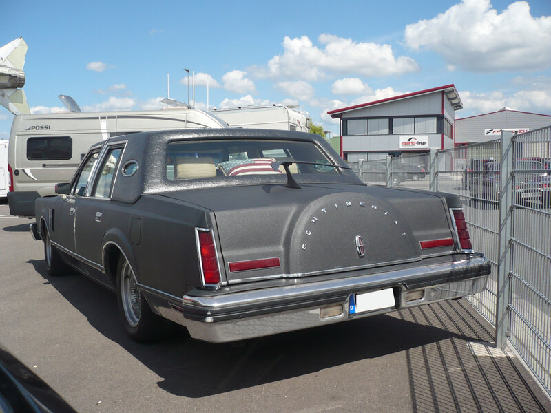 LINCOLN Continental Mark VI 4door Sedan Sinsheim (2)
