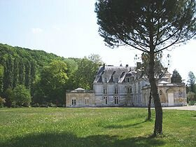 280px-Chateau_acquigny