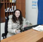 Ksenija au bureau d'AYC à Vodice, 240115