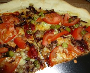 Pizza with Onion Confit (4)