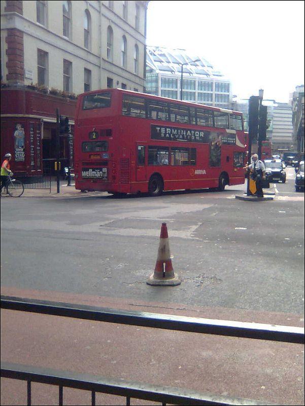 Bus rouge avec étage de Londres
