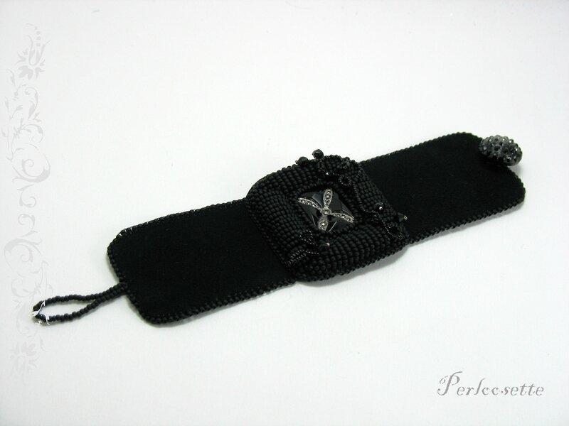 bracelet noir brodé3