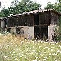 Très vieille grange abandonnée