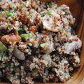 Salade tiède de quinoa, noix et champignons