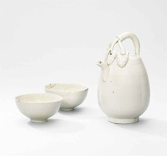 A Ding ewer and two Ding small cups, Northern Song-Jin Dynasty (960-1234)