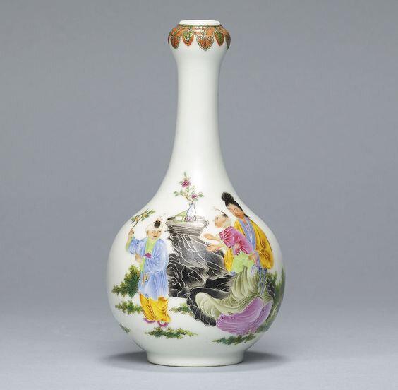 A famille rose vase, Republic period