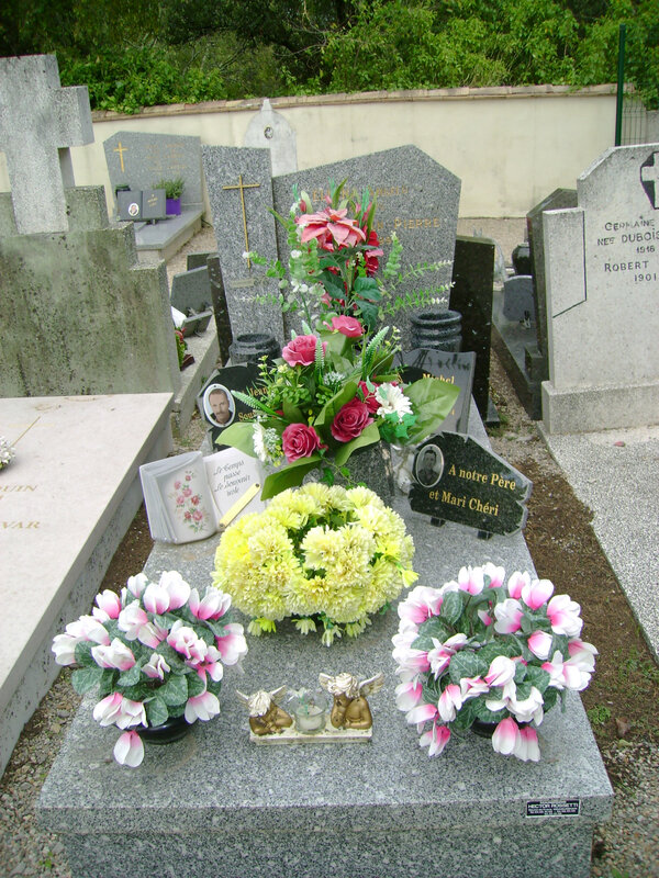 270 - Tombe de la famille Ellena