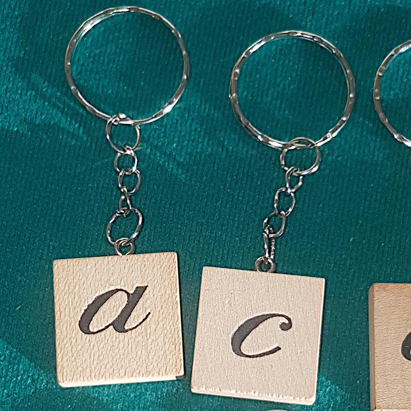 Porte clé lettre cursive a et b