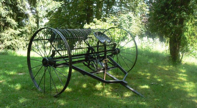 Photo-ancien-outil-agricole-vanner-le-foin