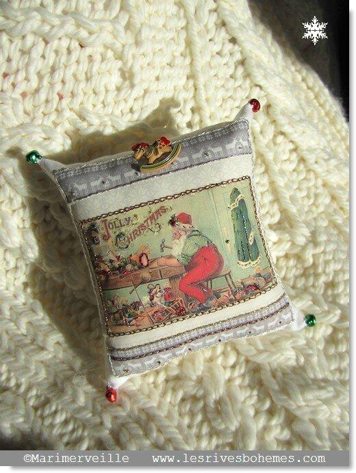 Marimerveille Kit petit coussin atelier du père Noël 1