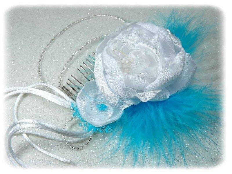 Peigne à cheveux plumes dentelle turquoise blanc mariage
