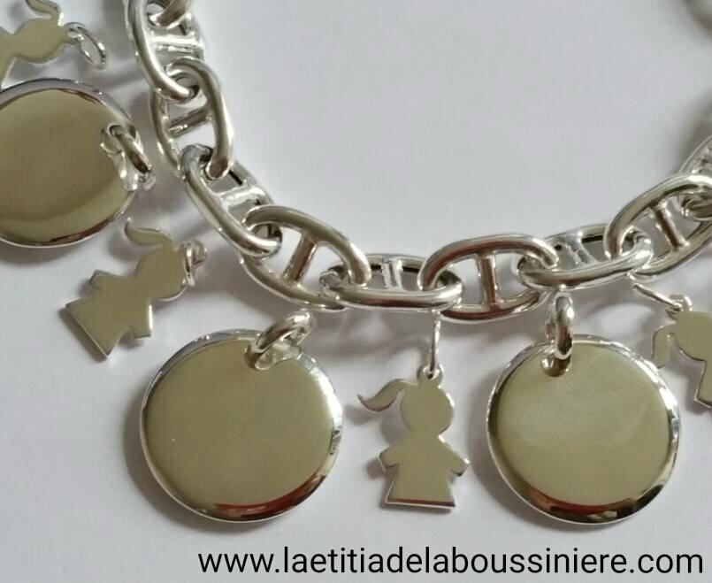 Médailles bombées en argent massif et breloques fillette en argent massif avec bracelet maille marine en argent massif